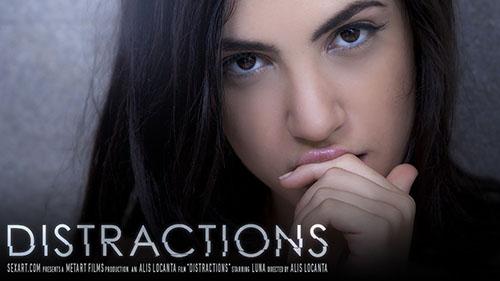 "Luna ""Distractions"""