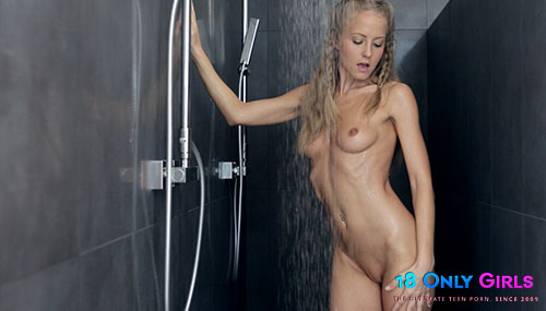 "Cecilia ""Solo Shower"""