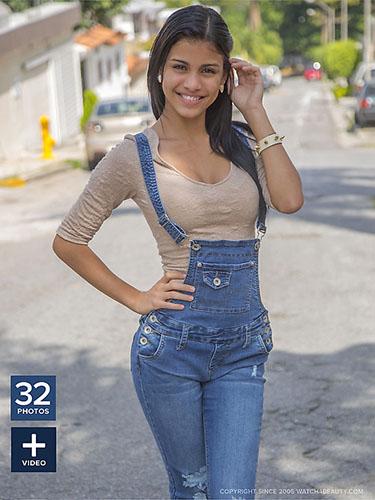 "Gorgeous Denisse Gomez ""Magazine"""