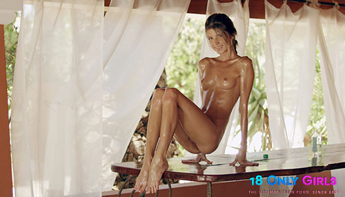 """Gina Gerson """"Oiling Myself For You"""""""