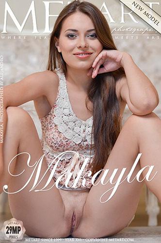 "Makayla ""Presenting"""