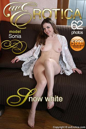 """Sonia """"Snow White"""""""