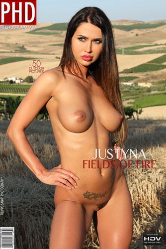 "Justyna ""Fields Of Fire"" - idols"
