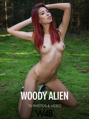 """Paula Shy """"Woody Alien"""""""