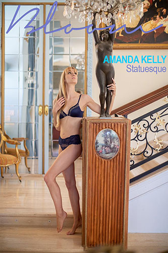 "Amanda Kelly ""Statuesque"""