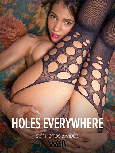 """Abril """"Holes Everywhere"""""""