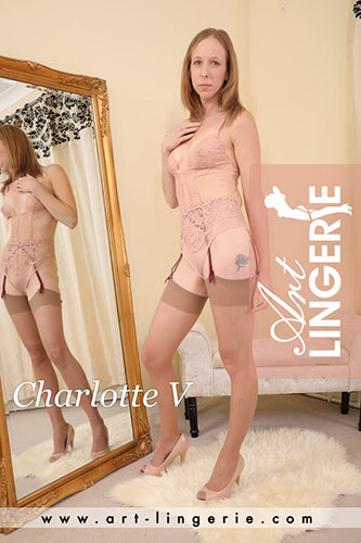 Charlotte V Photo Set 9811