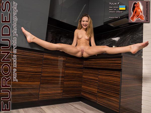 Yulia F Photo Set 003