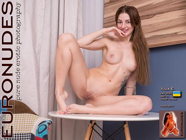 Yulia E Photo Set 003