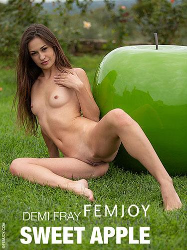 "Demi Fray ""Sweet Apple"""